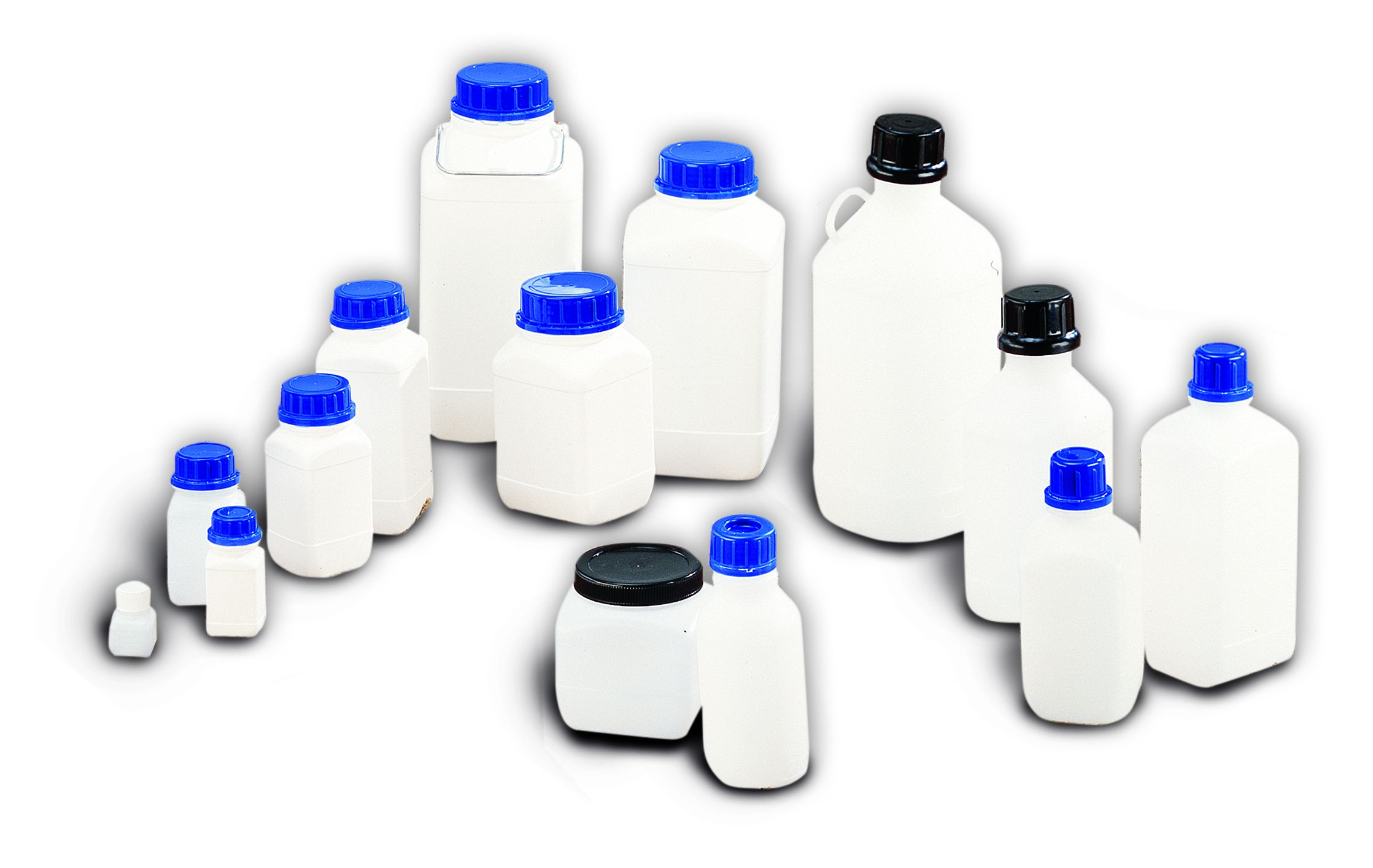 Flaschen und Dosen aus Kunststoff